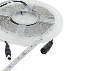 Taśma LED jednokolorowa 5m 60szt/m 6W/m 12V niebieska 06874 Whitenergy