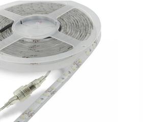Taśma LED jednokolorowa 5m 60szt/m 6W/m 12V IP67 wodoodporna czerwona 06879 Whitenergy