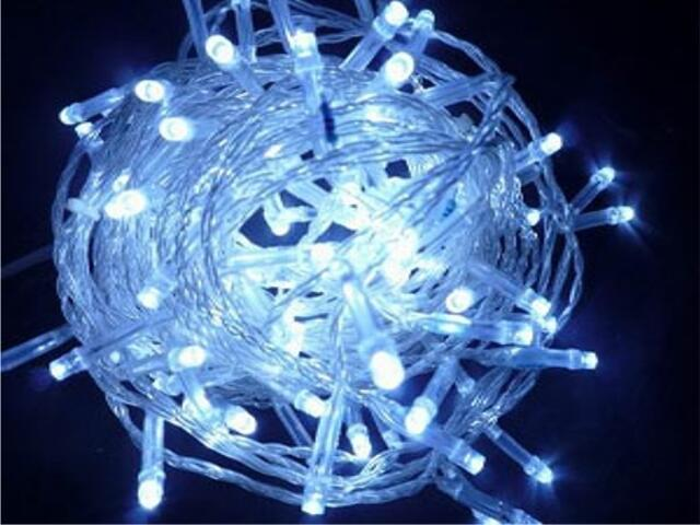 Lampka choinkowa zewnętrzna Flashing LED 12m diody białe kabel biały 120szt MK Ilumination