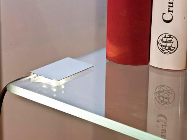 Oprawa podszafkowa 4 clipsów do szklanych półek 4x0,24W LED 79062041 Reality