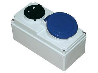 Gniazdo siłowe z wyłącznikiem 0-1 małe blok. mechaniczna 32A 230V 2P+Z IP44 PCE