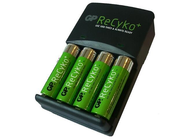 Ładowarka ReCyko+; zaw.4x210AAHCB list 1 szt. GP Battery