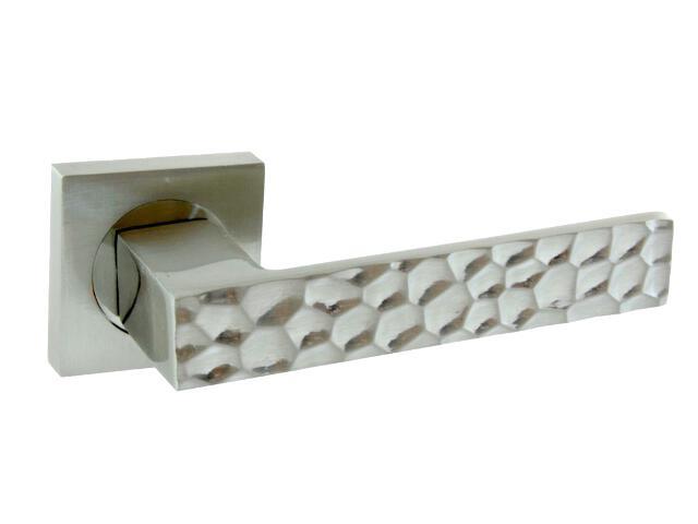 Klamka drzwiowa IGGY-QR szyld dzielony kwadratowy nikiel lakierowany Domino