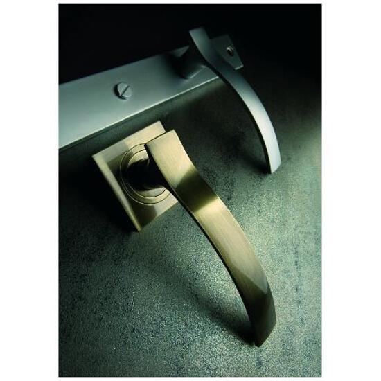 Klamka drzwiowa VITALIS szyld długi klucz nikiel satynowy DH-03-113N-72-06 Gamet